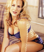 Julie Benz version charme